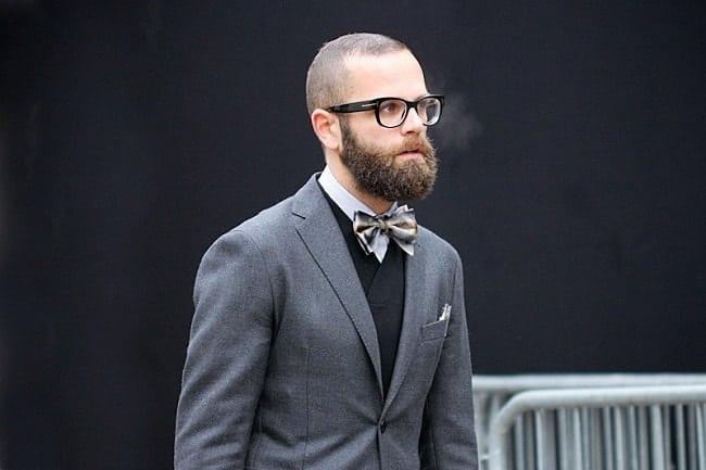crescimento da barba em homens